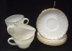 4 Anchor Hocking FIRE KING Suburbia White Swirl golden Shell Cups & Saucers