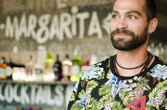Nuestro coctelero, Evaristo. #BahiaLimon #Torreguadiaro #Sotogrande