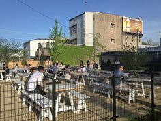 20140521-293533-where-to-eat-outside-in-chicago-parsons-patio.jpg
