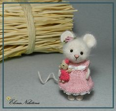 Pretty little amigurumi mouse. (Inspiration).