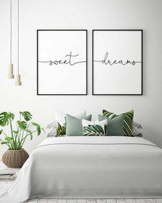 Take advantage of that blank space behind your bed! Try these stylish how to decorate above bed wall and transform your wall into an artful display. #Bedroom #Farmhouse #HeadBoard #Sign #DecorBedroom