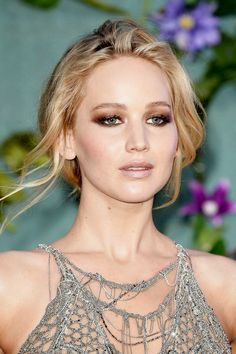 Jennifer Lawrence attends the 'Mother!' UK premiere on September 6, 2017 in London, England.