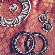 Tips On Choosing Beautiful Jewelry To Enhance Your Personal Style Silver Wedding Jewelry, Silver Jewellery Indian, Indian Wedding Jewelry, Fancy Jewellery, Fashion Jewellery, Silver Ring, Indian Accessories, Silver Accessories, Antique Jewellery Designs