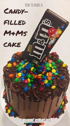 M&Ms Cake Easy M&Ms cake -chocolate cake filled with M&Ms candy and topped with a M&Ms box for a cool anti-gravity effect!Easy M&Ms cake -chocolate cake filled with M&Ms candy and topped with a M&Ms box for a cool anti-gravity effect! Chocolate Cheesecake, Chocolate Recipes, Cake Chocolate, Chocolate Birthday Cake Kids, Chocolate Cake Recipe Videos, Banana Pudding Cheesecake, Chocolate Videos, Nutella Cake, Brownie Cake