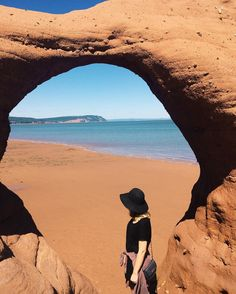 28 Surreal Places In Nova Scotia You Won't Believe Really Exist - Narcity Annapolis Royal, Annapolis Valley, East Coast Travel, East Coast Road Trip, Nova Scotia Travel, Visit Nova Scotia, East Coast Canada, Pvt Canada, Places To Travel