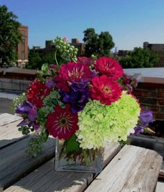 Summer bouquet – Pollen Floral Design is a locally sourced & sustainably grown flower shop in Chicago.