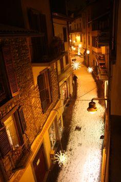 Sarnico, Centro storico sotto la neve. Scatto fotografico di Umberto dal b&b centrostorico www.centrostoricosarnico.it