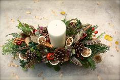 Natural Christmas table centre.