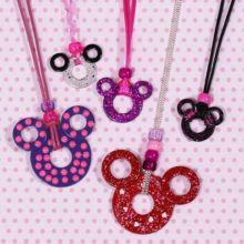 Le collier du défi mode de Minnie