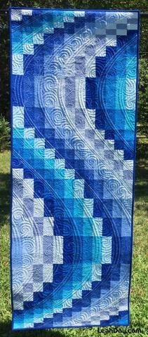 Waterfall Bargello Quilt, notice the quilting style. Longarm Quilting, Free Motion Quilting, Machine Quilting, Quilting Projects, Quilting Designs, Motifs Bargello, Bargello Quilt Patterns, Bargello Quilts, Quilting Patterns