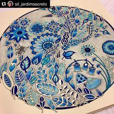 Tudo azul  #nossaflorestaencantada Colorida por  @sil_jardimsecreto ✨. ・・・ Pronto, terminei!!! Tons de azul e fundo cinza claro!  #florestaencantada #enchantedforest #livrodecolorir #johannabasford #arteterapia #adultcoloring #adultoscolorindo #coloring #colorindo #coloringbook #colorterapia #colouringbook