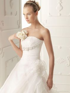Various Of Organza Strapless A-line Style With Side Ruffle Skirt 2013 Wedding Dress At Discount | A Line Wedding Dress English
