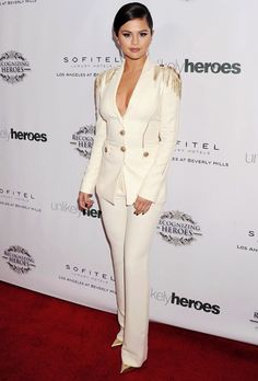 Selena Gomez attends the Recognizing Heroes Gala on November 8, 2014