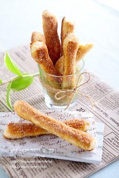 시나몬스틱프레즐-중독성이 강렬한 빵! 프레즐반죽으로 시나몬스틱프레즐...^^ : 네이버 블로그 French Toast, Bread, Breakfast, Food, Food Food, Morning Coffee, Brot, Essen, Baking