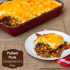 Pulled Pork Shepherd's Pie Recipe using Leftover Smoked Pork Butt - Use leftover pulled pork in this classic comfort food recipe. Whether the pork is smoked or made in a slow cooker, this recipe works great. Leftover Pork Recipes, Pulled Pork Recipes, Leftovers Recipes, Dinner Recipes, Recipes With Pulled Pork Leftovers, Leftover Pulled Pork, Pulled Pork Pot Pie Recipe, Recipes With Shredded Beef, Dinner Ideas