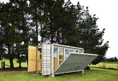 Port-a-Bach+Portable+Shipping+Container+Home+by+AtelierWorkshop+Architects+(via+Lunchbox+Architect)