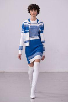Fast Fashion, Fashion 2020, Fashion Show, Fashion Outfits, London Fashion, Vogue Paris, Gigi Hadid Outfits, Knitwear Fashion, Models