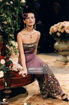 Fashion 101, 90s Fashion, Runway Fashion, Fashion Show, Girl Fashion, Vintage Fashion, John Galliano, Pretty Outfits, Pretty Dresses