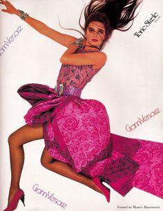 1988 Versace ad featuring Paulina Porizkova