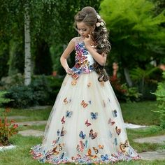 Its a wonderfull dress Cute Flower Girl Dresses, Baby Girl Party Dresses, Girls Pageant Dresses, Little Girl Dresses, Baby Dress, The Dress, Cute Dresses, Beautiful Dresses, Pagent Dresses For Kids