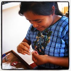 Artisan creating #fairtrade beaded jewelry for #dunitz www.dunitz.com - Hand made in Guatemala.