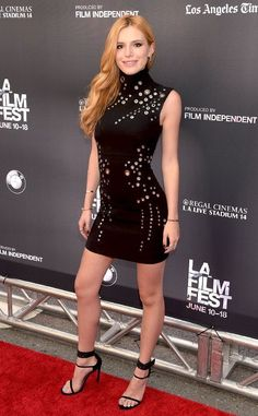 Bella Thorne from The Best of the Red Carpet We dig this punchy Mugler mini. Bella Thorne, Beautiful Redhead, Beautiful Legs, Elie Saab, Hottest Redheads, Actrices Hollywood, Le Jolie, Sexy Legs, Sexy Dresses