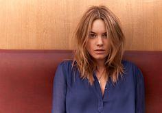 Sézane - Camille is back  Blouse Scarlett www.sezane.com #sezane #camillerowe