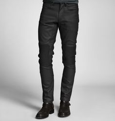 <p>Delivering sporty authenticity and technical performance, our five-pocket style Blackrod moto trouser features an exceptional 11 oz. Spanish twill denim base with a light resin coating for a technical aspect. Subtle stud details, along with a zip pocket on the thigh and quilted knees, make it the perfect trouser for play in or out of the city.</p><br/> <p>• Low rise</p> <p>• Metal shank waist and zip fly closure</p> <p>• Signature dark iron hardware</p> <br/>