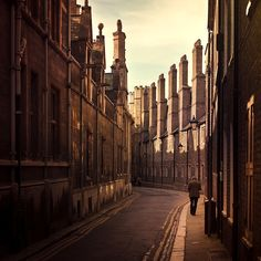 Cambridge. Oh, how I loved that walk from Selwyn College to Market Square. :'(