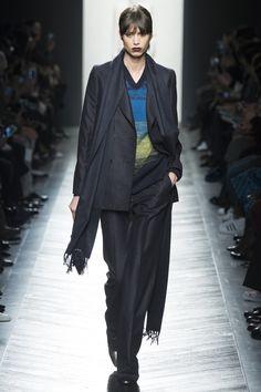 Bottega Veneta Fall 2016 Ready-to-Wear Fashion Show - Mica Arganaraz