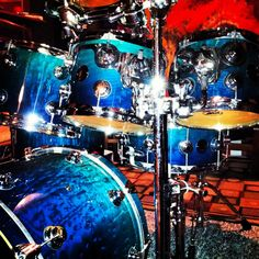 Toms on stands Drums Artwork, Drummer Boy, Snare Drum, Drum Kits, Drummers, Percussion, Guitars, Engine, Toms
