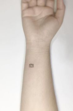 These cute and tiny tattoos are so adorable, they could easily change your mind. Here is a collection of 40 Amazingly Tiny And Cute Tattoos Every Women Would Want. You're never too old for a little ink. Tiny Tattoos For Girls, Cute Small Tattoos, Little Tattoos, Tattoos For Women Small, Unique Tattoos, 13 Tattoos, Latest Tattoos, Couple Tattoos, Sleeve Tattoos