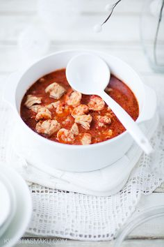 Zupa rybna pomidorowa z krewetkami i dorszem - ponoć przepyszna!