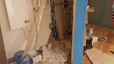 Άγνωστοι εισέβαλαν με Ι.Χ στο κατάστημα της Wind στις Αχαρνές