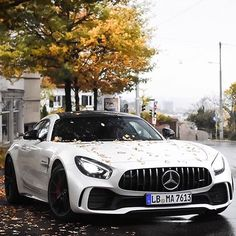 The new AMG GTR • pic @youngcarspotting #CarsWithoutLimits #AMGGTR