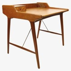 Functional, simple, elegant, distinctive .. were I a rich man, I would buy all my furniture at pamono.co.uk JOSH X  pamono.co.uk - Small Teak Desk by Svend Aage Madsen