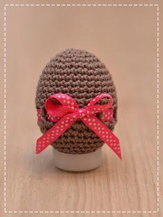 Elegantní a přitom velikonoční. Vajíčko s kytičkou. Nevím, jestli zrovna takovýmto vajíčkem, bychom potěšily naše drahé polovičky a obecně k...