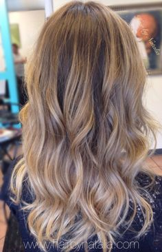 Balayage colormelt for blondes.  Balayage in Denver www.hairbynatalia.com 720-917-5165