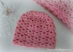 Lacy Shells Baby Hat Size 3-6 Months   This baby hat is made using the same shells stitch that I used for my Lovely Shells Baby Blanket. And...