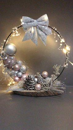 Christmas Pom Pom Crafts, Christmas Candle Decorations, Christmas Swags, Rustic Christmas, Christmas Holidays, Christmas Crafts, Christmas Ornaments, Vase Deco, Christmas Floral Arrangements