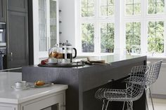 Townhouse kitchen, kingston upon thames cozinhas modernas por linley london moderno Room, Townhouse, Interior, Interior Inspiration, Home, Grey Kitchen, Cabinetry, Gray Interior, Kitchen