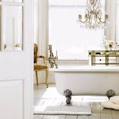 Как быстро обновить ванную комнату: 7 советов Вы устали от банального дизайна вашей ванной, но не располагаете временем и средствами, чтобы приняться за капитальный ремонт? Воспользуйтесь нашими советами, чтобы обновить интерьер быстро и недорого. ✔1. Замените смесители ✔2. Замените раковину и сопутствующую мебель ✔3. Освежите ванну с помощью эмали ✔4. Покрасьте наружную поверхность ванны ✔5.Новый светильник ✔6. Установите большие зеркала ✔7. Смените шторку на штору http://santehnika-tut.ru/