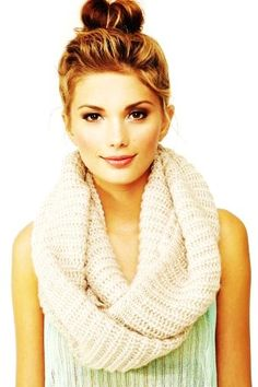 10 Crochet Scarves All Gals Must Own for Fall/Winter - Fashion Blog