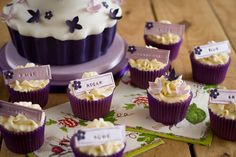 Giant cupcake with matching smaller ones
