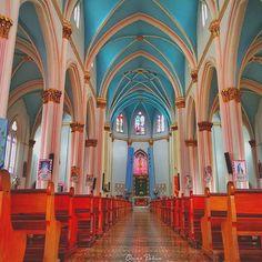 Templo consagrado al Divino Corazon de Maria | Jerico, Colombia  photo by oshil_ via Instagram #cathedral #Jerico #Colombia