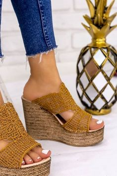 Wedges Heels Mule Sandals Summer 2020 has never been so Amazing! Since the beginning of the year many girls were looking for our Beautiful guide and it is finally got released. Now It Is Time To Take Action! See how... #shoes #womenshoes #footwear #shoestrends Simple Shoes, Casual Shoes, High Heel Boots, Shoe Boots, High Heels, Pretty Shoes, Cute Shoes, Cute Womens Shoes, Heeled Mules Sandals