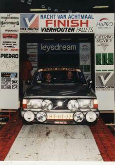 Volvo 240 turbo at a night rally