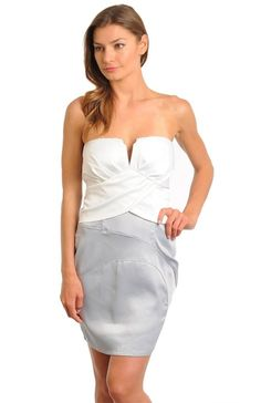 V Cut Contrast Strapless Dress