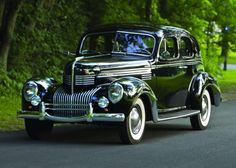 One for your classy date! Luxury Goes Long - 1939 Chrysler New Yorker Chrysler Voyager, Cute Images, Cute Photos, Vintage Cars, Antique Cars, Vintage Auto, Automobile, Chrysler New Yorker, Roadster