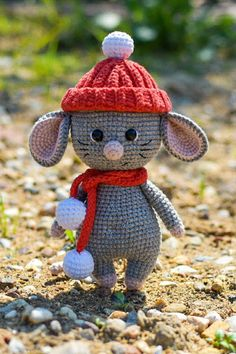 Crafts Free amigurumi mouse pattern Someone new to your life you will love it, you've . Crochet Mouse, Cute Crochet, Crochet Crafts, Crochet Projects, Crochet Animal Patterns, Crochet Patterns Amigurumi, Crochet Dolls, Amigurumi Tutorial, Crochet Animals
